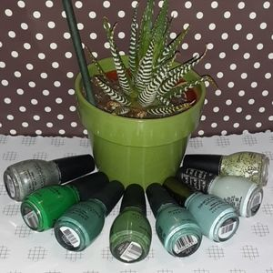 Glamour and Green Galore!!!! 8 Shades...